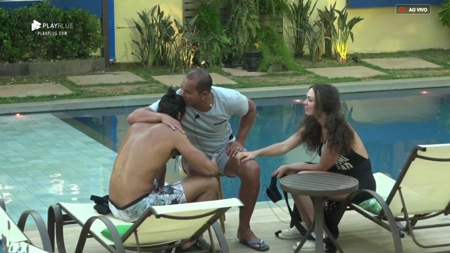 Aloísio Chulapa conversa com João Zoli e Fernanda Lacerda - Reprodução/PlayPlus