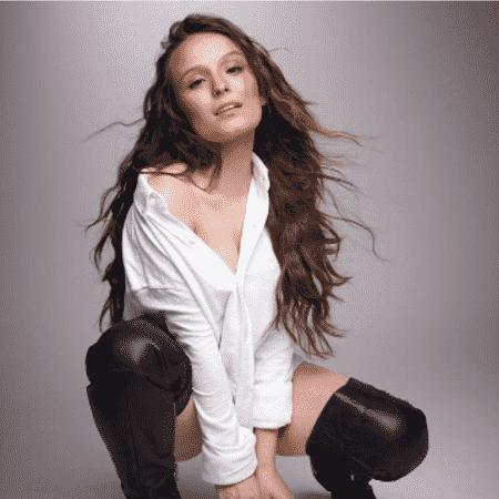 ff8dedfde2e5a Larissa Manoela sensualiza em primeira foto publicada aos 18 anos ...