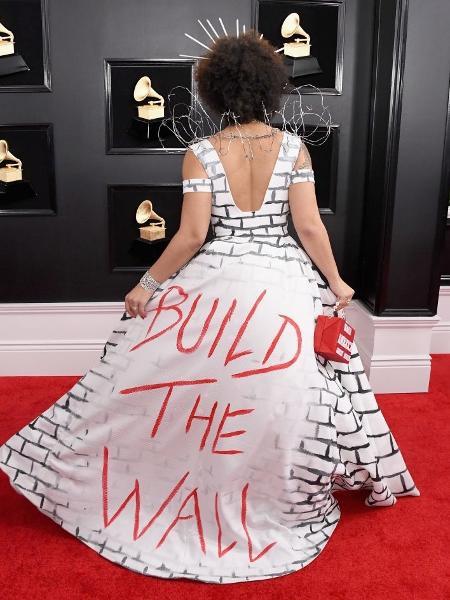 Protesto de Joy Villa, 27, estava na saia do look usado para o Grammy 2019 - Getty Images