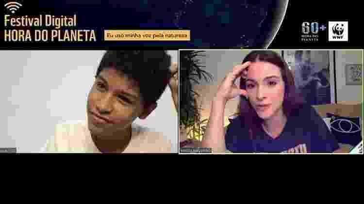 O influenciador digital Kaique Britto e a youtuber Maddu Magalhães durante o festival Hora do Planeta - Reprodução - Reprodução