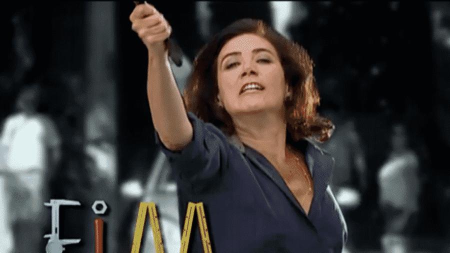 """Griselda durante a última cena de """"Fina Esatmpa"""" - Reprodução/Globo"""