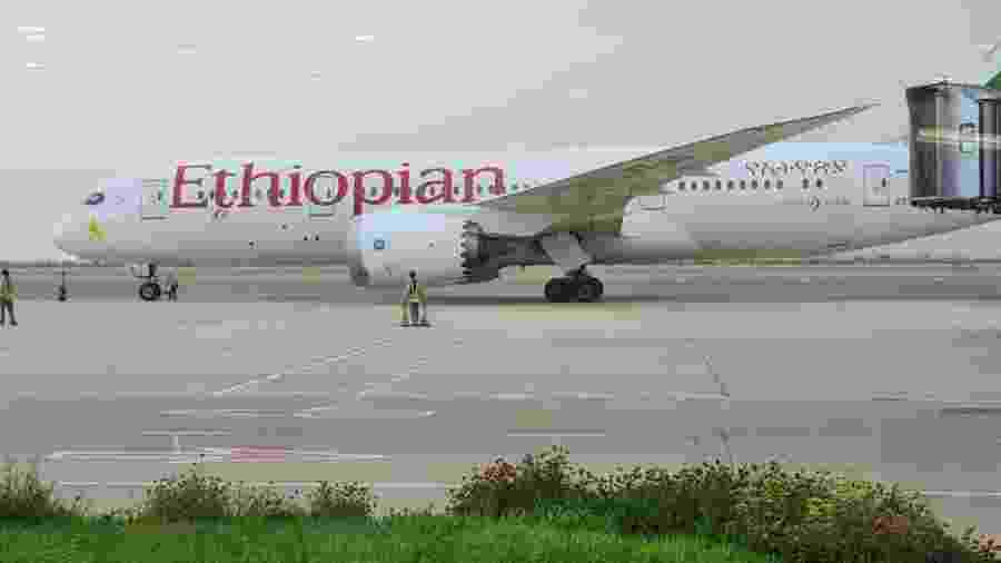 O avião que trouxe brasileiros da Arábia Saudita e fez quatro escalas em voo de repatriação - Arquivo pessoal