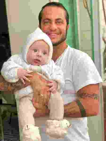 Thammy com o filho, Bento, de 6 meses - Reprodução/Instagram - Reprodução/Instagram