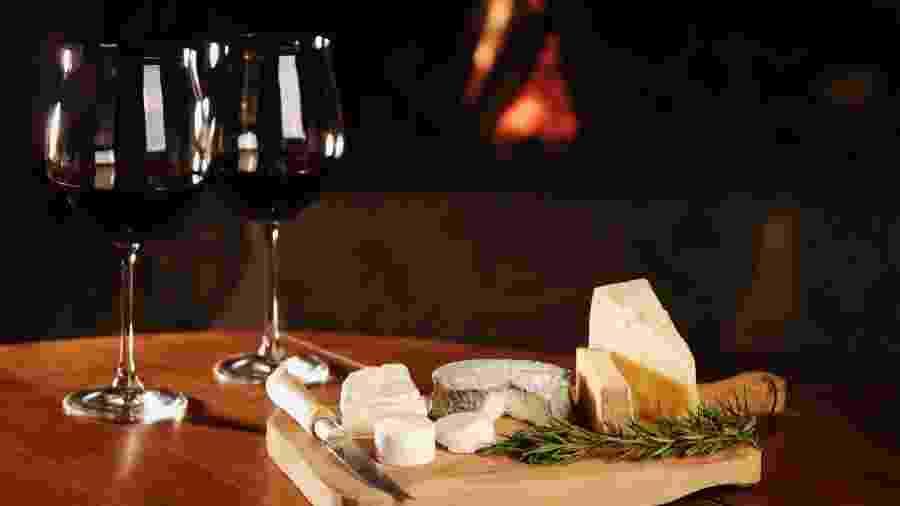 Dúvidas na hora de escolher o vinho para combinar com o seu queijo -- e vice-versa? Aqui está um guia para você não errar mais - Getty Images/iStockphoto