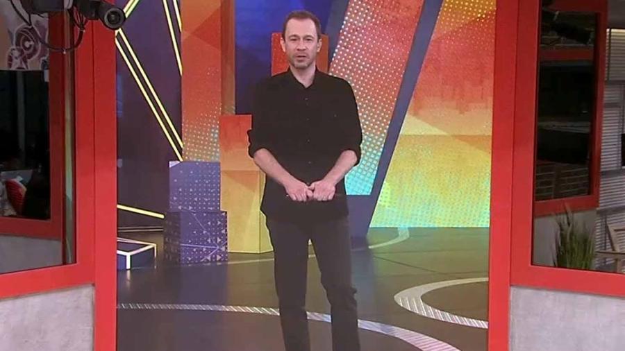 BBB 21: Tiago Leifert fala com os brothers na noite da eliminação do reality show  - Reprodução/Globo