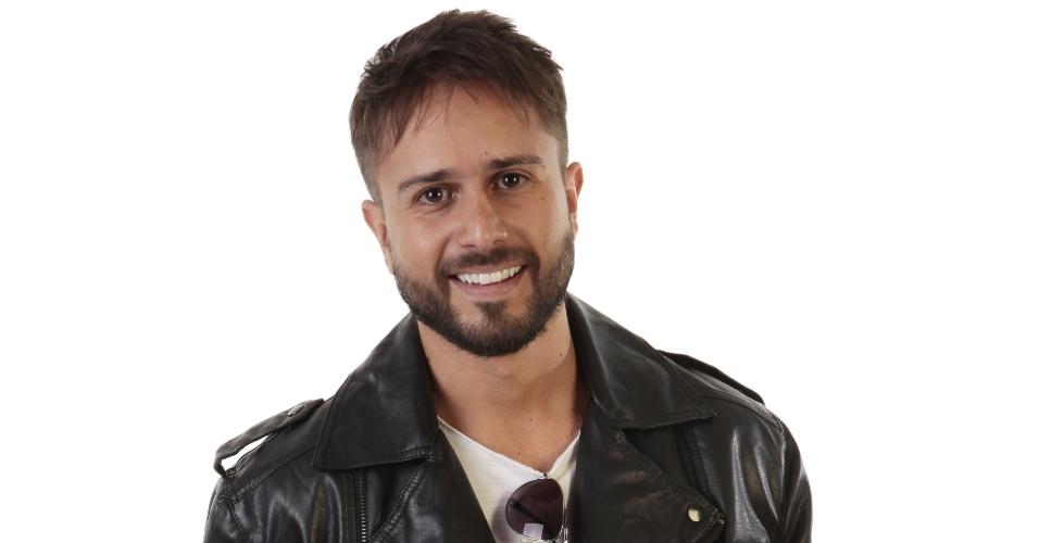 Fausto Ramos (Maurício Ribeiro)