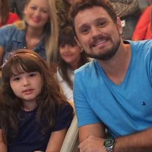 """O jornalista Guilherme Fuoco, pai da Laura, de seis anos, criou o blog """"Papai Jovem"""" - Arquivo pessoal"""