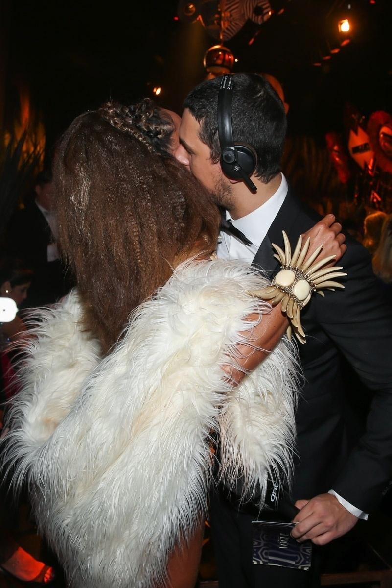 28.jan.2016 - Sabrina Sato encontra o ex João Vicente de Castro no baile da Vogue, em um hotel em São Paulo. O tema da festa era Pop África