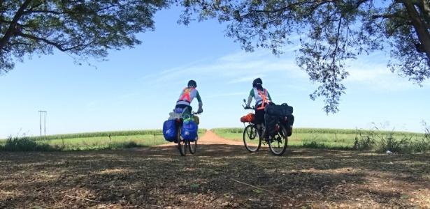 Alan e Marcela Mortean querem percorrer de bike 17 dos 22 países da América Latina - Divulgação