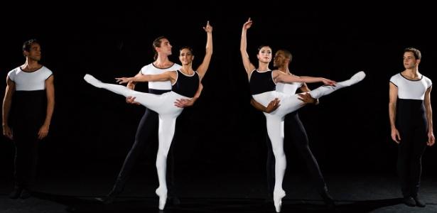 """São Paulo Companhia de Dança em """"Suíte para Dois Pianos"""", de Uwe Scholz - Wilian Aguiar"""