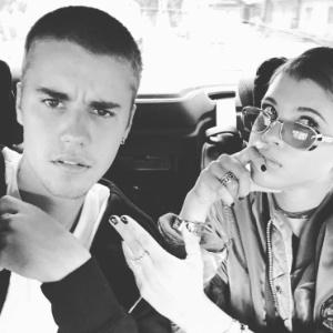 Justin Bieber ao lado de Sofia Richie  - Reprodução/Instagram/justinbieber