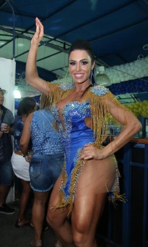 14.out.2016 - Musa da Portela, Gracyanne Barbosa compareceu à quadra da escola, na Zona Norte do Rio, para participar da final da escolha do Samba da agremiação para o Carnaval de 2017