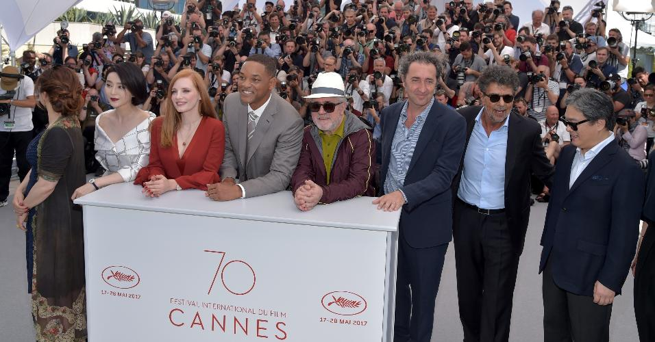 Membros do júri do Festival de Cannes Agnes Jaoui, Fan Bingbing, Jessica Chastain, Will Smith, o presidente Pedro Almodovar, Paolo Sorrentino, Gabriel Yared, e Park Chan-wook