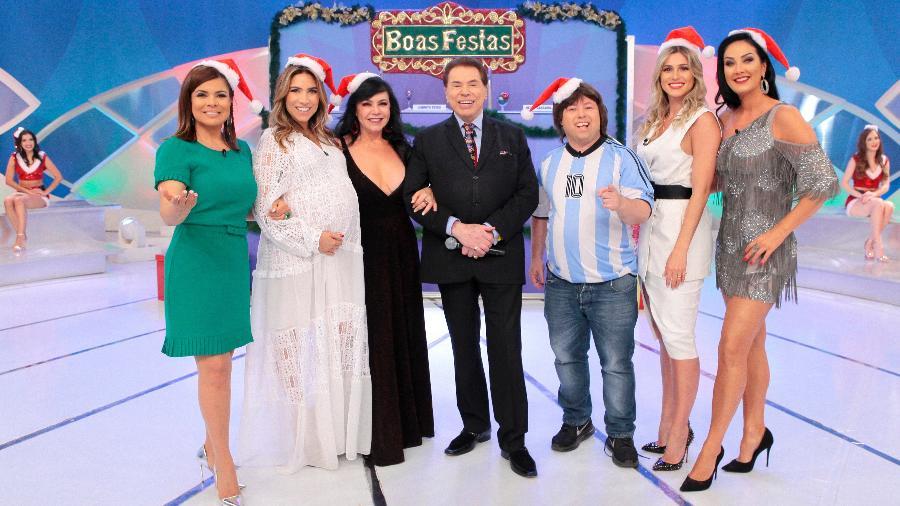 Silvio e o elenco do Jogo dos Pontinhos de Natal - Lourival Ribeiro / SBT