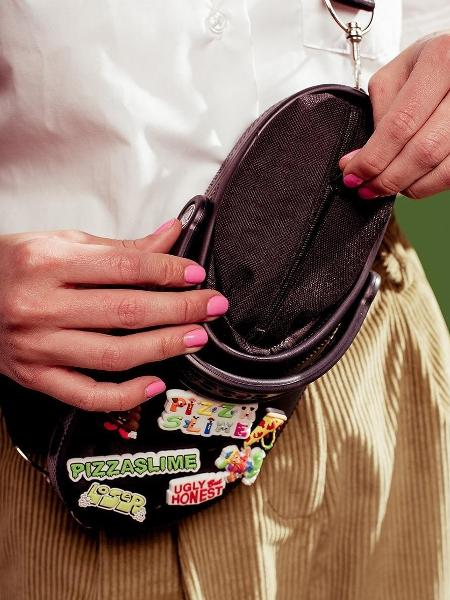 cf7041e85 Marca lança pochete inspirada nos polêmicos calçados da Crocs; veja fotos