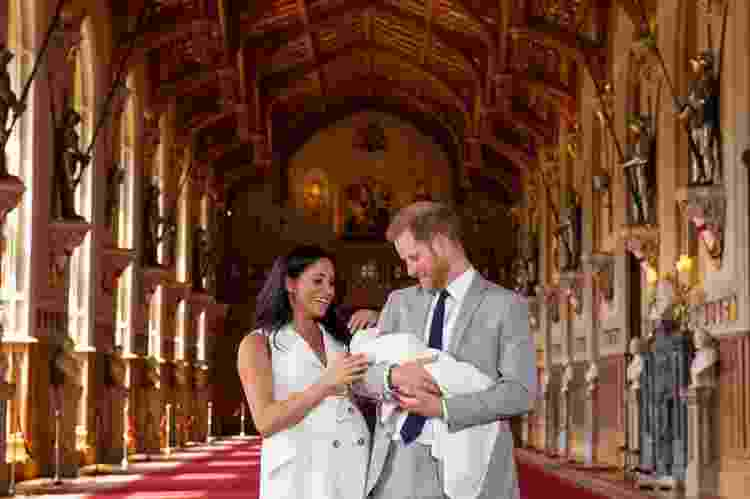 Archie, primeiro filho de Meghan Markle e do príncipe Harry, foi apresentado ao mundo dois dias depois de nascer -  XinhuaDominic LipinskiPA Wire -  XinhuaDominic LipinskiPA Wire