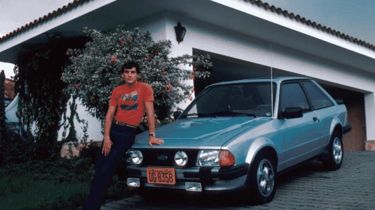 Raro registro do jovem Senna com um de seus Escort XR3 - Reprodução