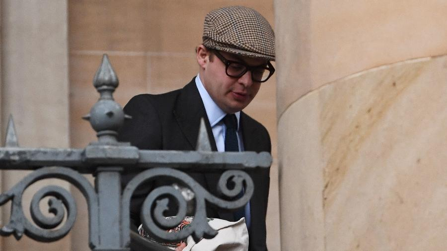 23.02.2021 - Simon Bowes-Lyon chega a tribunal onde foi condenado por assédio sexual - Jeff J Mitchell/Getty Images