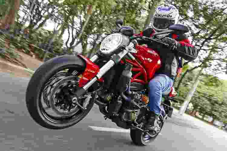 Ducati Monster 821 - Luciano Sampa/Infomoto