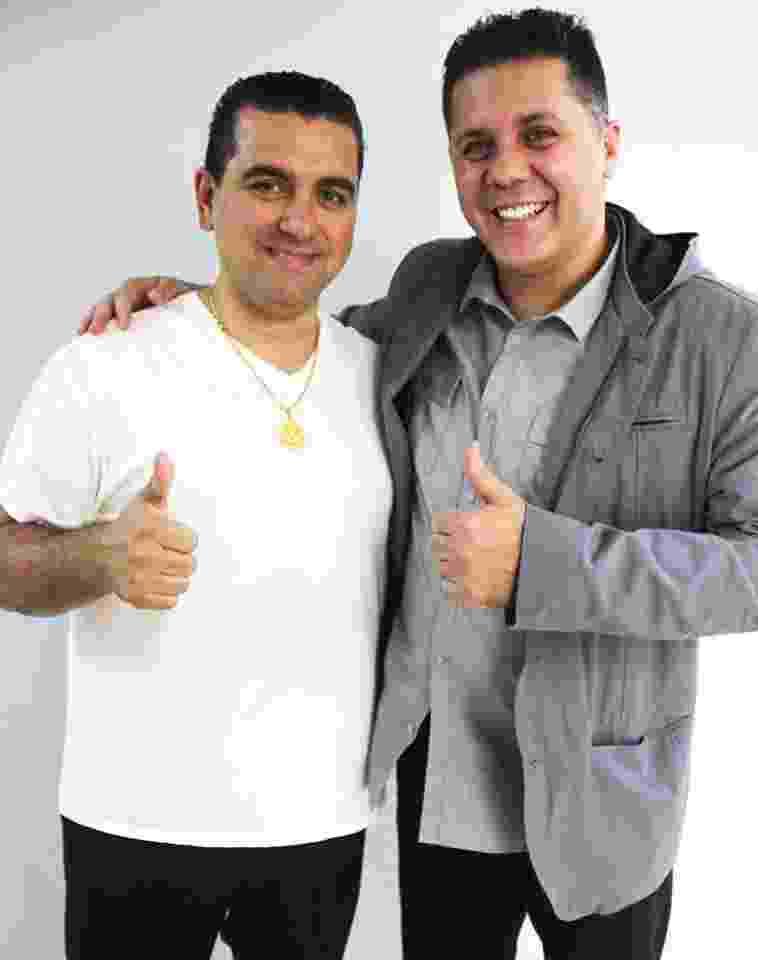 O confeiteiro norte-americano Buddy Valastro e Wendel Bezerra, seu dublador no Brasil - Reprodução/Facebook/Wendel Bezerra