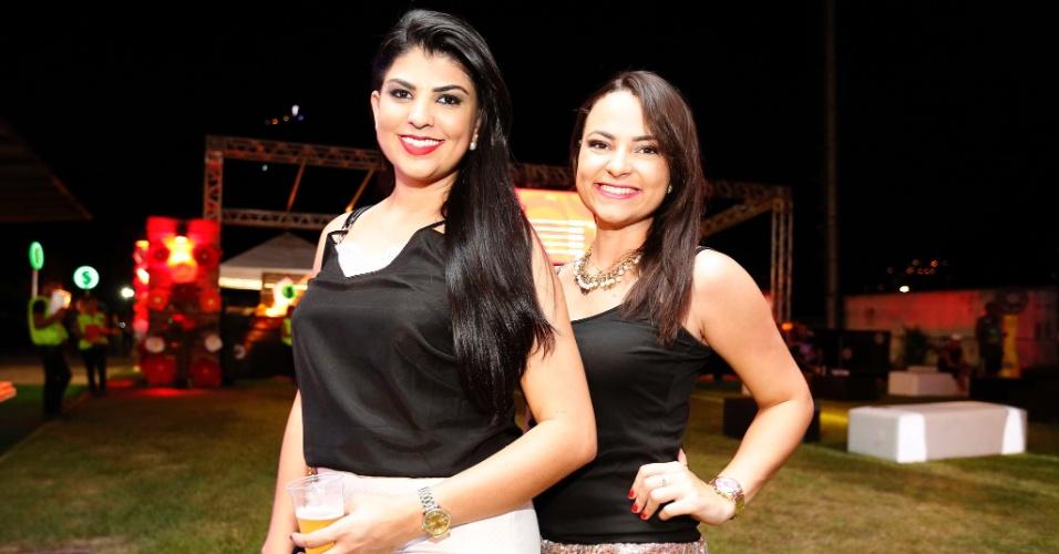 5.fev.2016 - As amigas Lidiane Duarte e Lahis Marques saíram de Brasília curtir o Carnaval do Rio