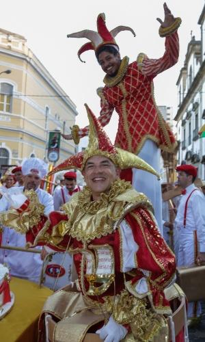 8.fev.2016 - O bloco lírico O Bonde desfila pela ruas do Recife antigo,. Neste ano o bloco comemora 25 anos