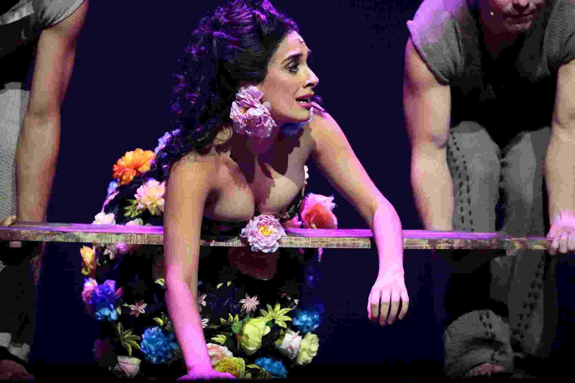 24.mai.2016 - A estreante Daniela Blois interpreta Gabriela no musical do diretor pernambucano João Falcão - Flávio Florido/UOL