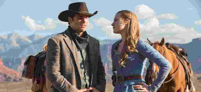 """James Marsden e Evan Rachel Wood em cena de """"Westworld"""" - Divulgação/HBO"""