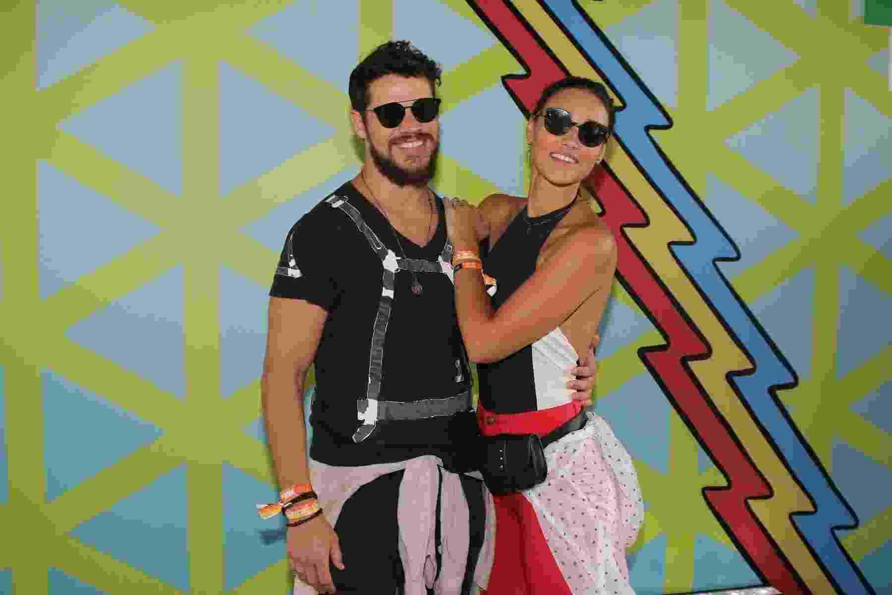 José Loreto e Débora Nascimento no segundo dia do Lolla - Thiago Duran/AgNews