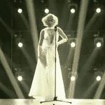 """Com superdecote, Xuxa vira Marilyn Monroe sensual no """"Dancing Brasil"""" - Reprodução/TV Record"""