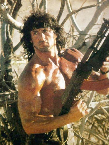 """Sylvester Stallone em cena de """"Rambo III"""" (1988) - Divulgação"""
