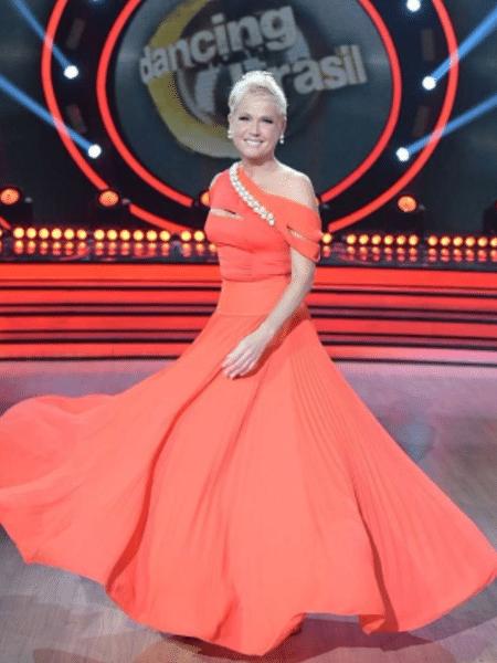 579880cc3 Fã de Xuxa faz vaquinha para pagar cirurgia e ganha apoio da apresentadora