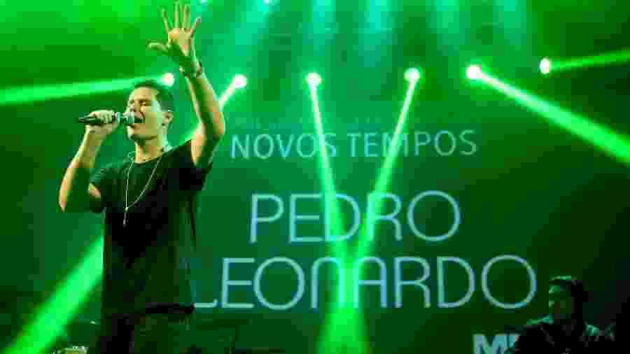"""Pedro Leonardo canta no lançamento de sua palestra motivacional, """"Novos Tempos"""" - Manuela Scarpa/Brazil News"""