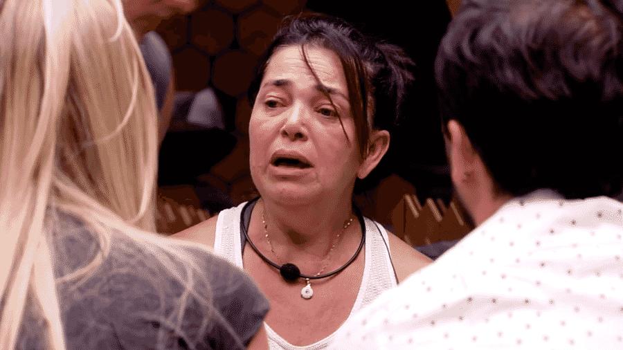 """Tereza chora no quarto do """"BBB19"""" - Reprodução/GloboPlay"""