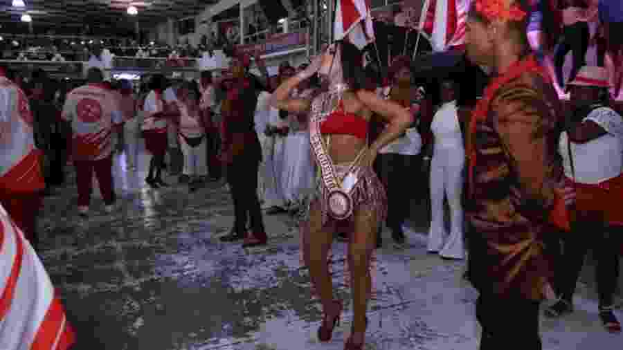 Modelo Luisa Langer foi coroada musa do Salgueiro - Anderson Border/Divulgação