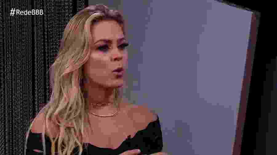 """Isabella é entrevistada após ser eliminada do """"BBB19"""" - Reprodução/GloboPlay"""