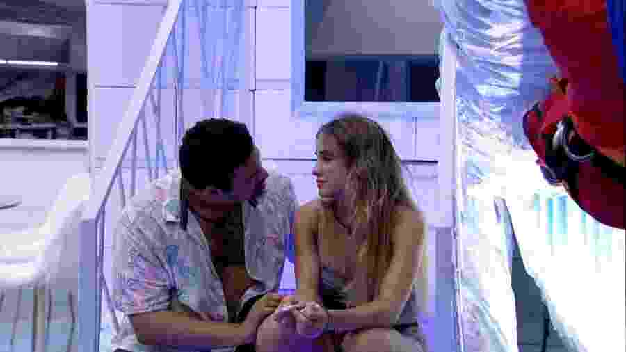 BBB 20 - Victor Hugo e Gabi na cozinha - Reprodução/Globoplay