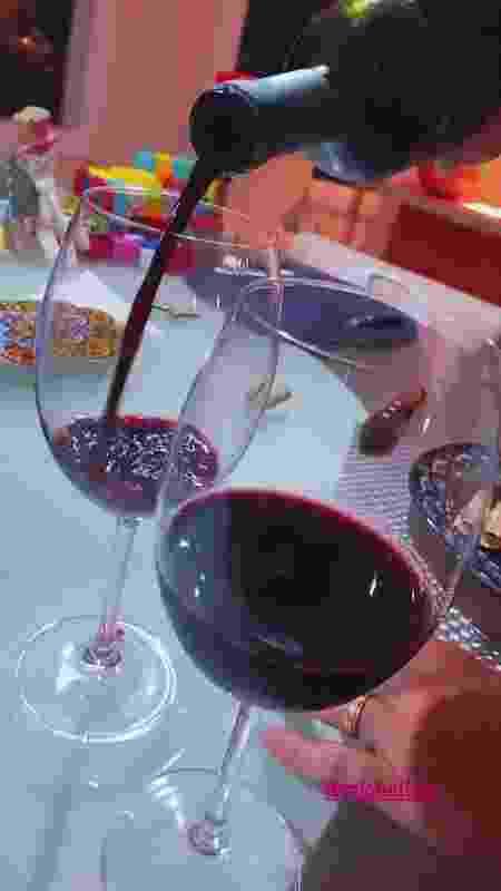 Thais Fersoza vinho - Reprodução/Instagram @tatafersoza - Reprodução/Instagram @tatafersoza