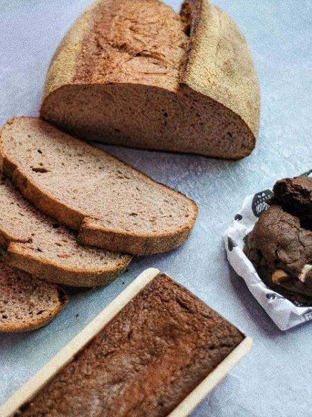 Pão, bolo e cookie da Beth Bakery, na Vila Mariana, incluídos no kit que terá renda revertida para ajudar crianças com câncer - Divulgação