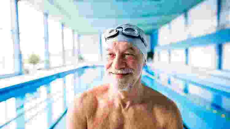 A natação é um dos exercícios que mais beneficia o corpo como um todo - iStock - iStock