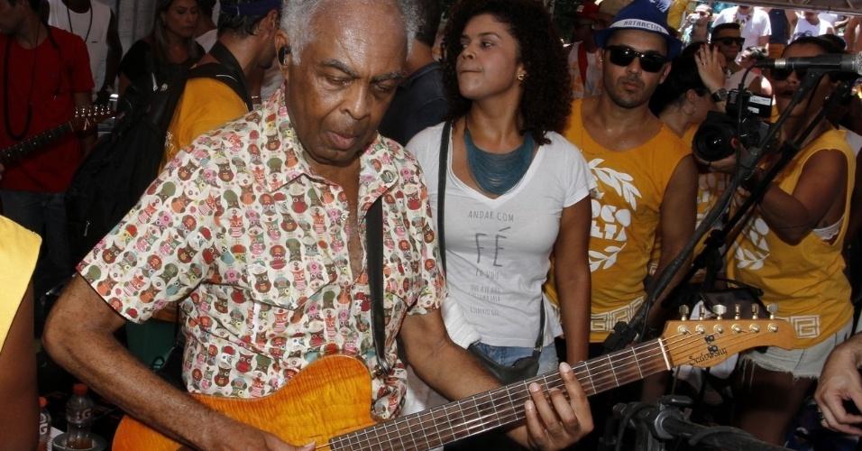 Gilberto Gil faz participação especial no Bloco da Preta