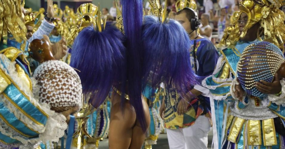 8.fev.2016 - Parte de trás da fantasia de Sabrina Sato, rainha de bateria da Vila Isabel