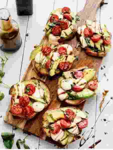 Canapés de abacate - Reprodução/Instagram/cafedelites - Reprodução/Instagram/cafedelites
