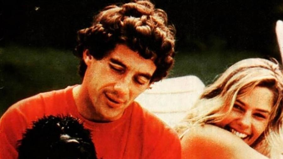 Adriana Galisteu e Ayrton Senna  em foto antiga postada pela modelo para lembrar o aniversário do piloto - Reprodução/Instagram
