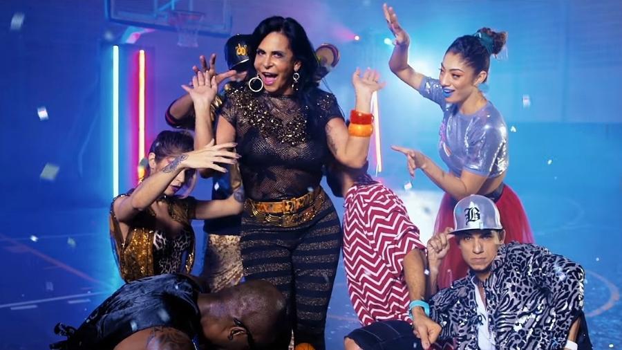 """Resultado de imagem para Gretchen leva internet à loucura ao dançar """"Paradinha"""", de Anitta"""
