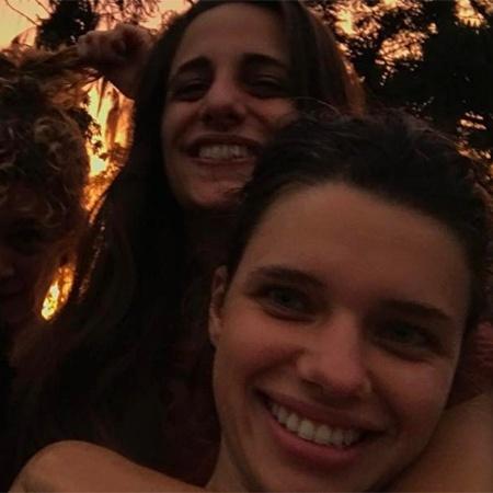 Bruna Linzmeyer e a namorada, Priscila - Reprodução/Instagram