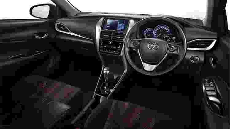 Toyota Yaris Ativ interior - Divulgação - Divulgação