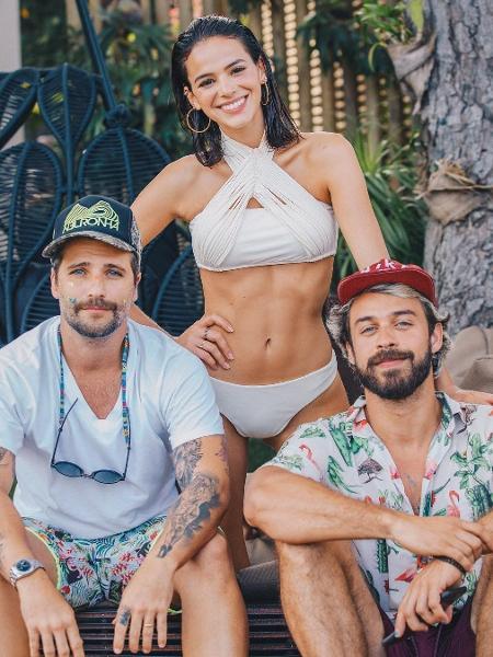 Bruno Gagliasso, Bruna Marquezine e o fotógrafo Raul Aragão - Reprodução/Instagram