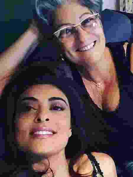 Juliana Paes com a mãe, Regina -
