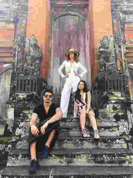 Claudia Raia curte férias na Indonésia ao lado dos filhos Enzo e Sophia - Reprodução/Instagram/@claudiaraia